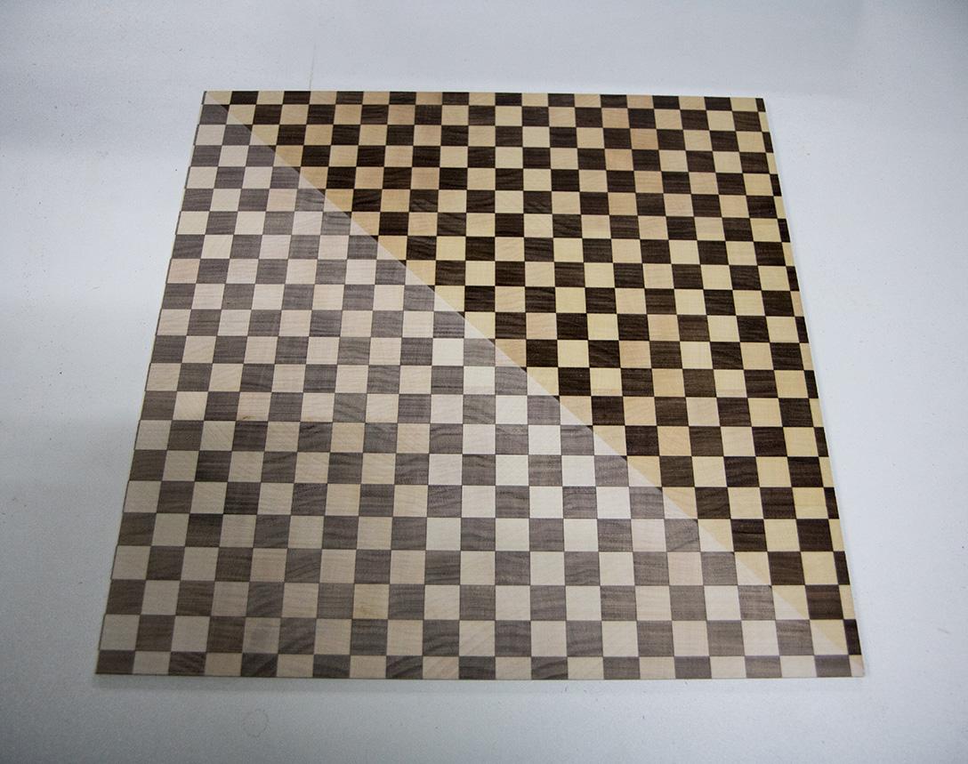 Ansicht Musterbox 12, Materialkombination von Holz, Metall und mehr