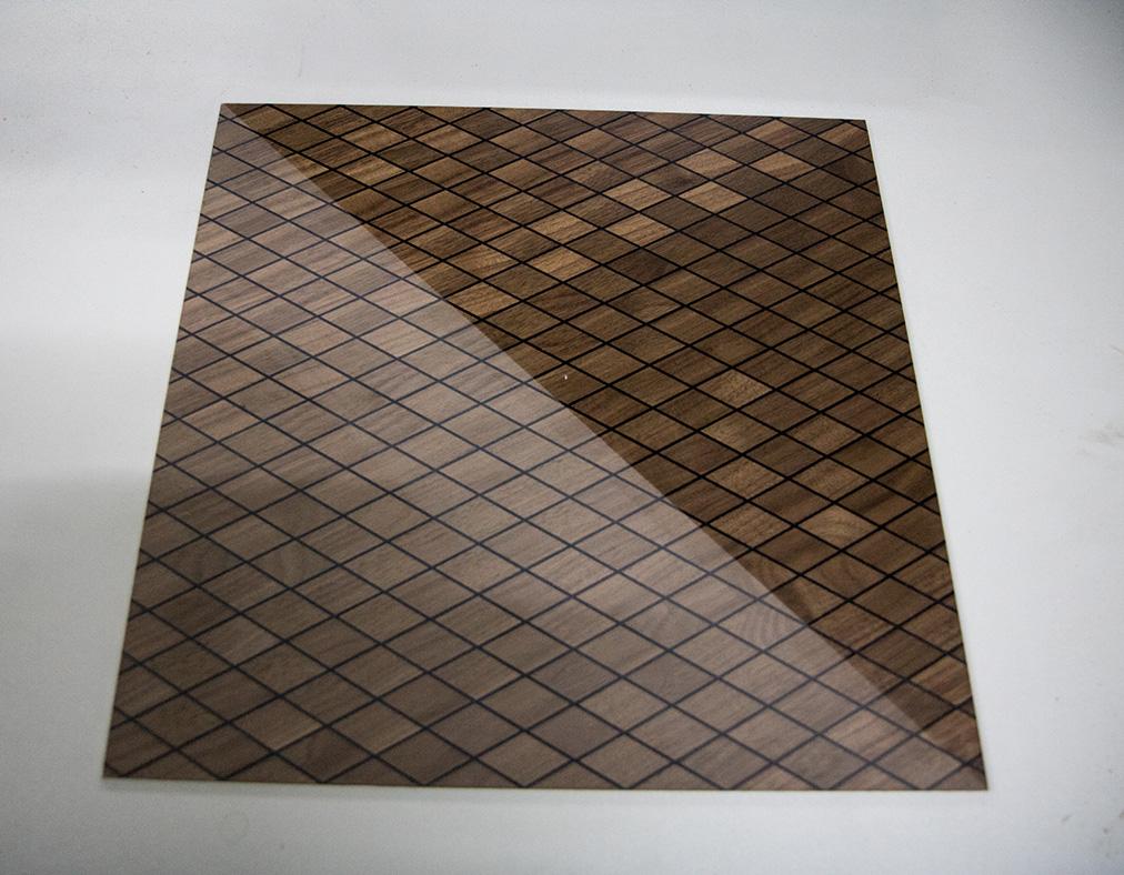 Ansicht Musterbox 10, Materialkombination von Holz, Metall und mehr