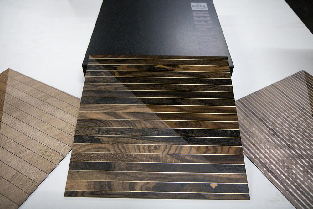 Ansicht Musterbox 14, Materialkombination von Holz, Metall und mehr