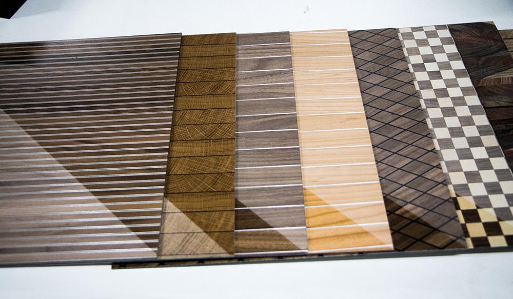 Ansicht Musterbox 13, Materialkombination von Holz, Metall und mehr